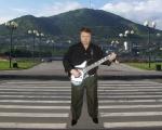 Алексей Бельдюгин - Бард Камчатки на фоне Мишенной сопки